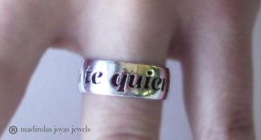Personalized ring with a message