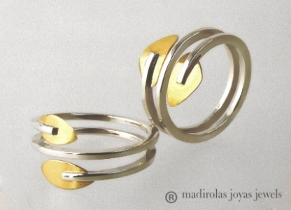 Contemporary rings gold & silver.